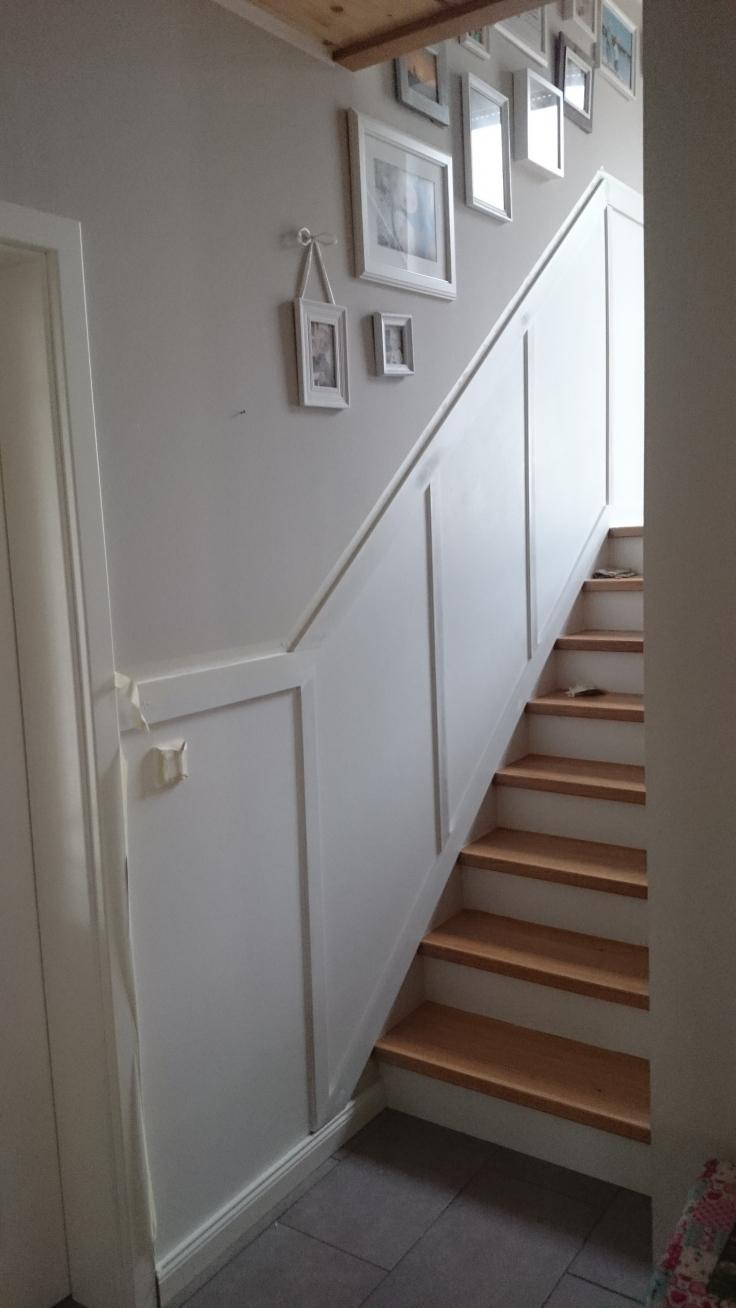 treppe1 weiß gestrichen mit streben